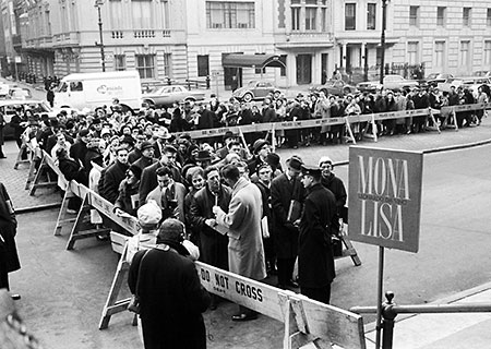 Eager Crowd Waits to See The Mona Lisa, New York 1963